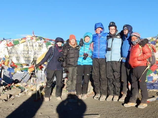 Trekking-Group-on-Top-Thorung-La
