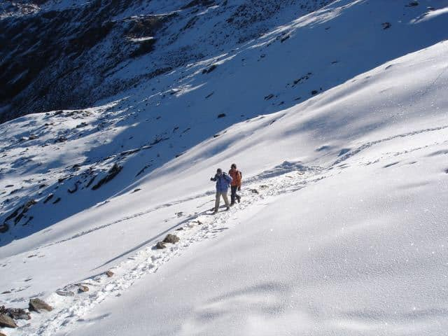 Trekking-in-Snow