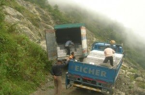 Trucks-Himalayan-Road
