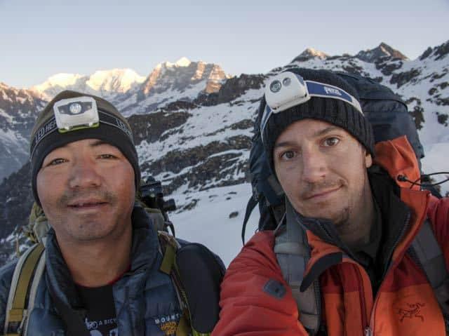 Two-Men-Trekking-Makalu-Snow