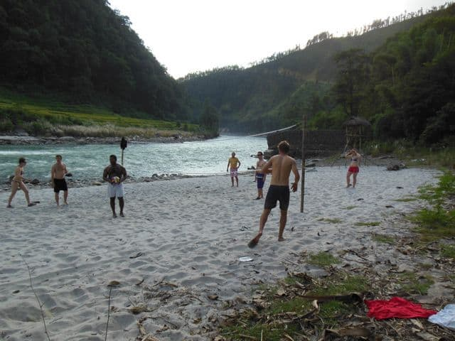 Volley_ball_at_the_raft_camp_37