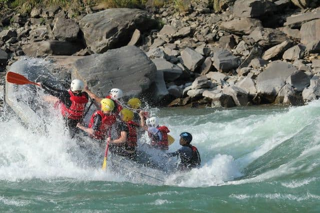 White-Water-Rafting-Big-Rapids-Nepal