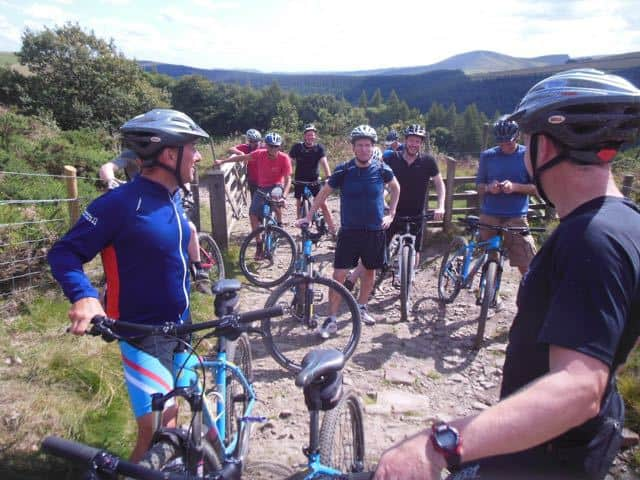 guided-mountain-bike-ride-group-tour