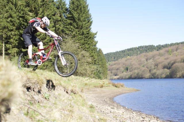 learn-to-drop-off-mountain-bike