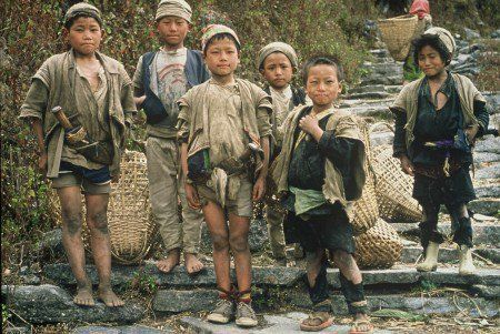 little_himalayan_mountain_boys_25