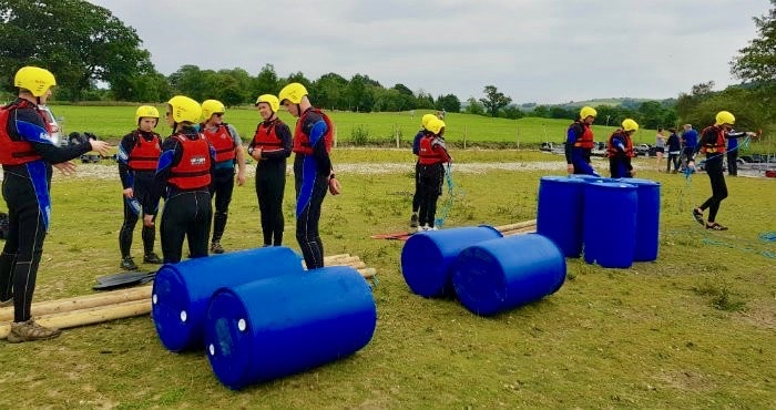 /raft-building-teams-on-yorkshire-lake